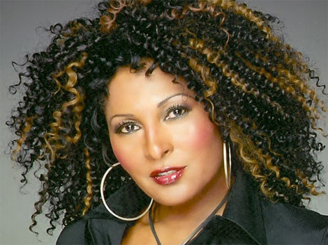 pam grier acteur guests stars deux flics miami l 39 encyclop die francophone sur la s rie. Black Bedroom Furniture Sets. Home Design Ideas